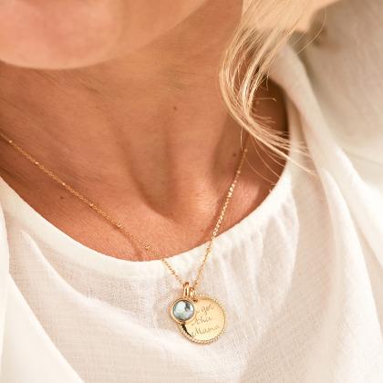 Collar personalizado con medalla de cuentas y piedra de nacimiento
